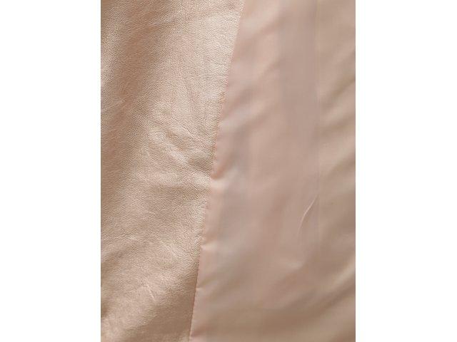 Světle růžový koženkový křivák s metalickými odlesky TALLY WEiJL Damar