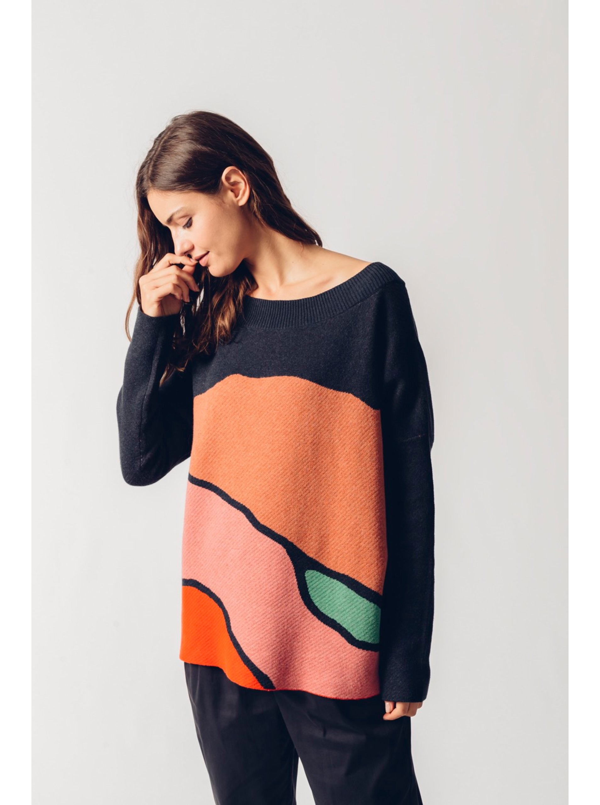 E-shop SKFK barevný oversize svetr Karle