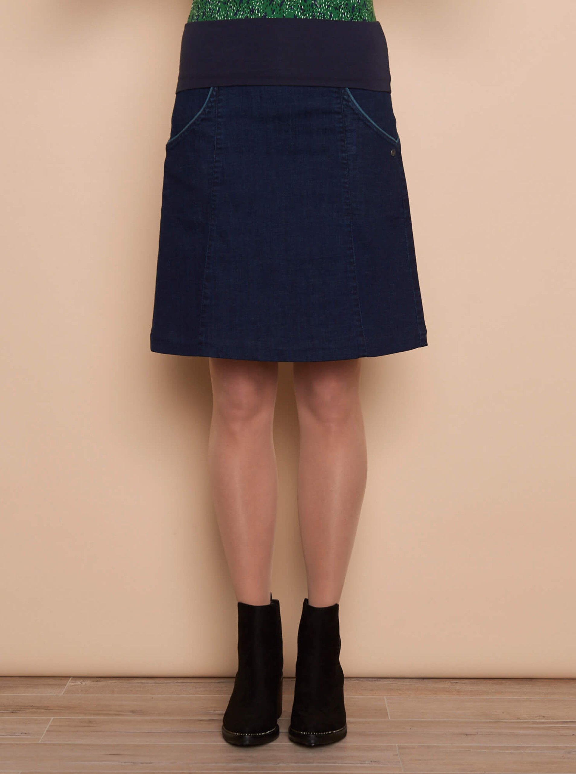Tmavomodrá rifľová sukňa Tranquillo.