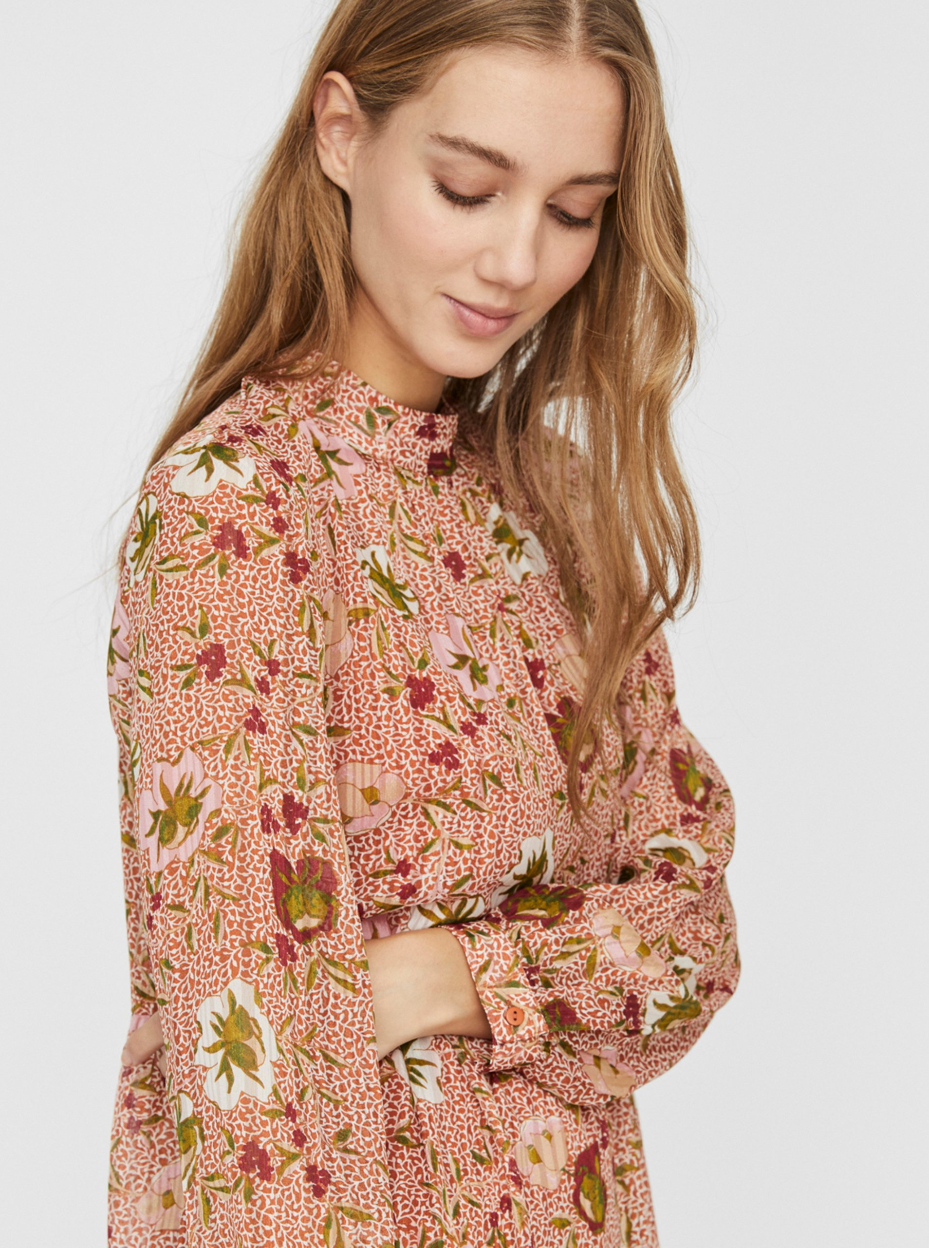 Ružové kvetované šaty VERO MODA Cille.