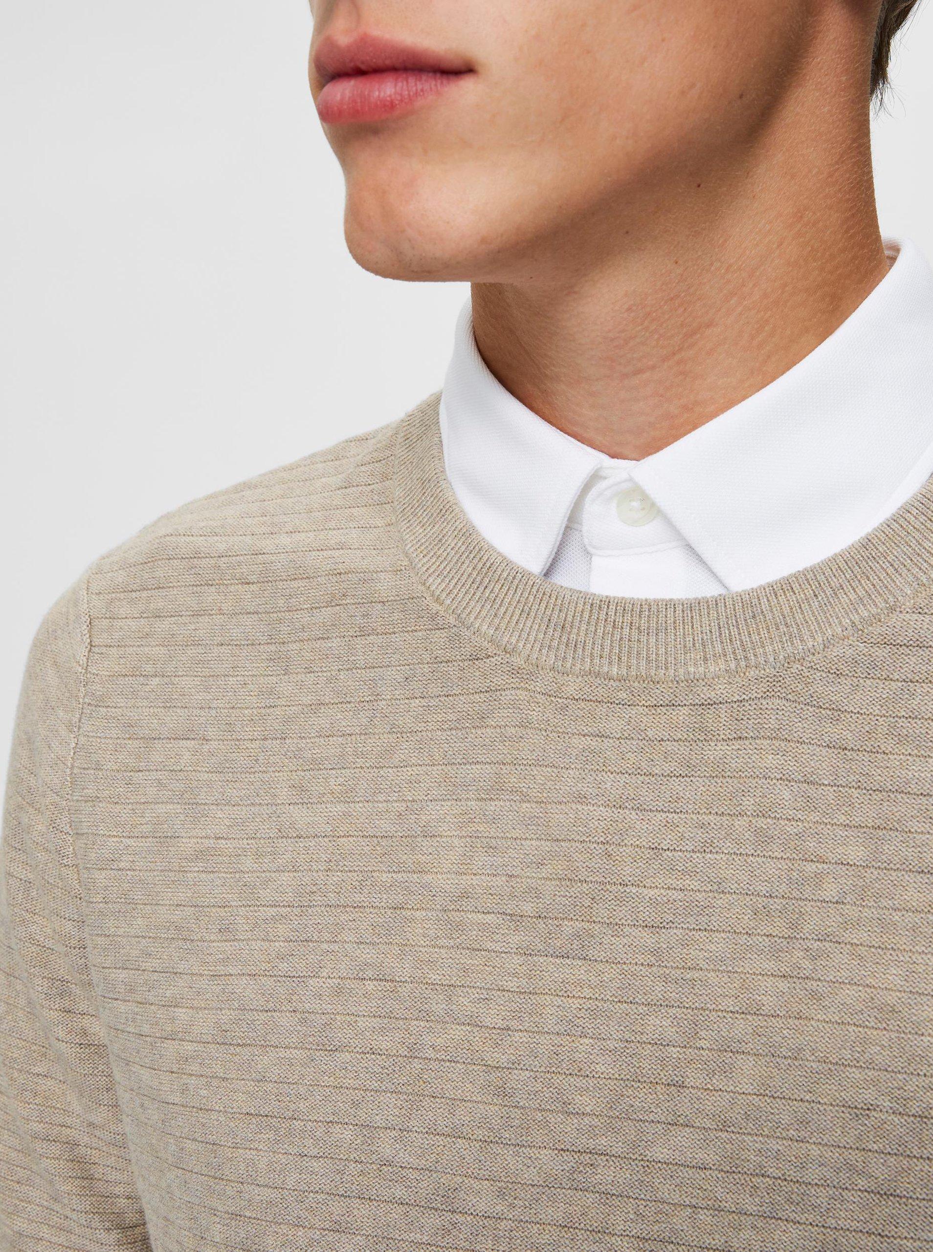 Béžový basic sveter Selected Homme.