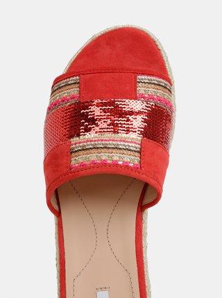 Červené dámske semišové šľapky Geox Kolleen