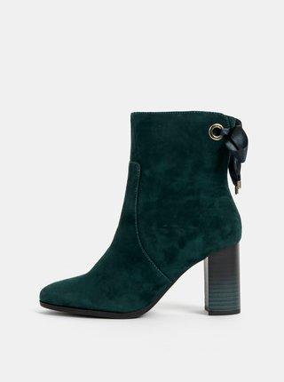 Zelené semišové kotníkové boty Tamaris