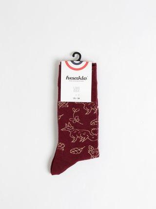 Vínové vzorované ponožky Fusakle Lisiak v lese