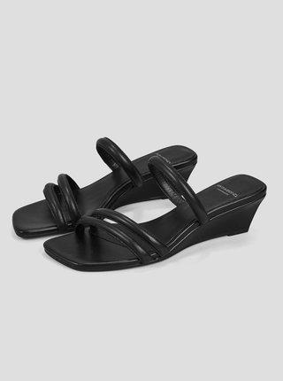Černé dámské kožené pantofle na klínku Vagabond Nellie