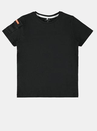 Čierne chlapčenské tričko s potlačou na chrbte name it Niklaso