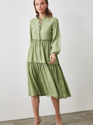 Světle zelené šaty Trendyol