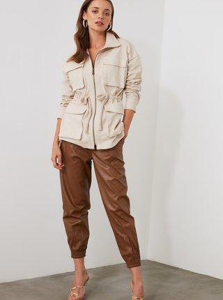 Hnědé dámské zkrácené koženkové kalhoty Trendyol