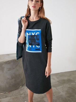 Šedé šaty s potiskem Trendyol