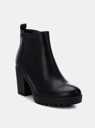Čierne dámske členkové topánky na podpätku Xti