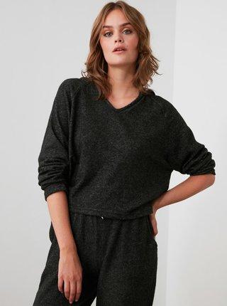 Černé dámské volné tričko s kapucí Trendyol