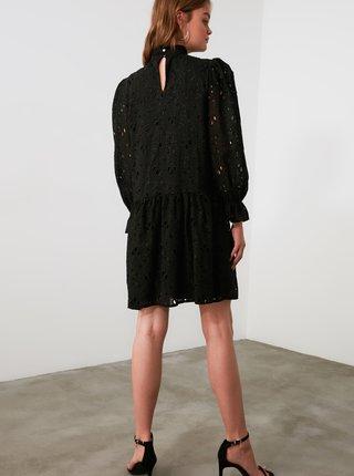 Čierne šaty s madeirou Trendyol