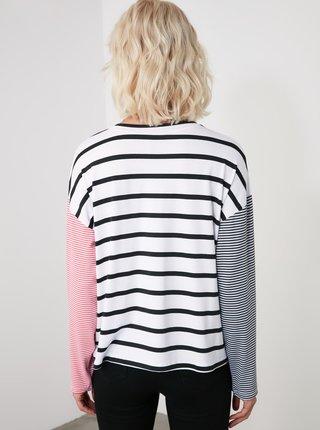 Bílé pruhované tričko Trendyol