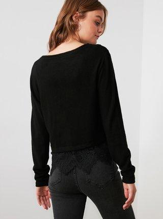 Čierne tričko s krajkou Trendyol