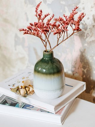 Zelená keramická váza Sass & Belle