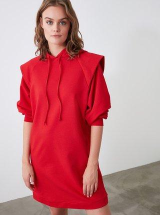 Červené mikinové šaty s kapucí Trendyol