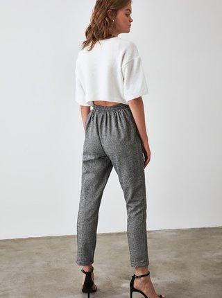 Šedé dámske vzorované skrátené nohavice Trendyol