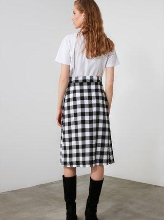 Bílo-černá kostkovaná sukně Trendyol