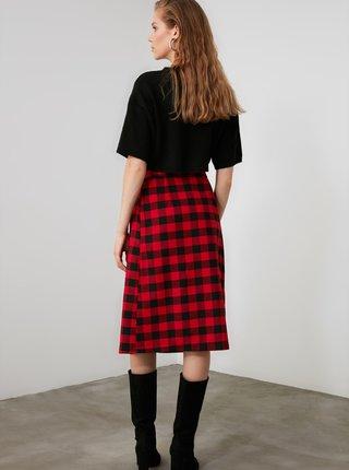 Čierno-červená kockovaná sukňa Trendyol