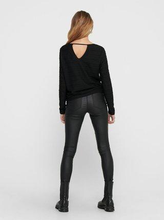 Černé tričko s průstřihem na zádech ONLY
