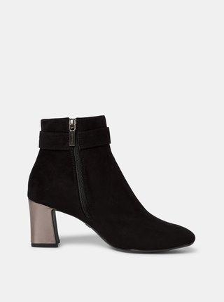 Černé kotníkové boty v semišové úpravě Tamaris