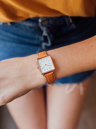Dámské hodinky s žlutým koženkovým páskem Millner Royal