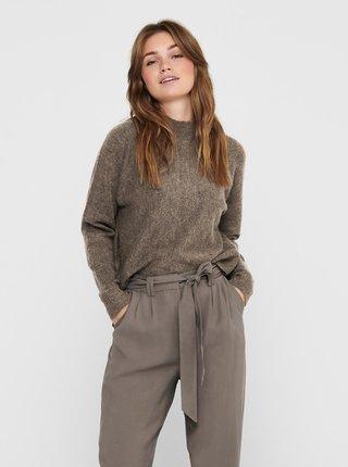 Hnědý svetr se stojáčkem Jacqueline de Yong