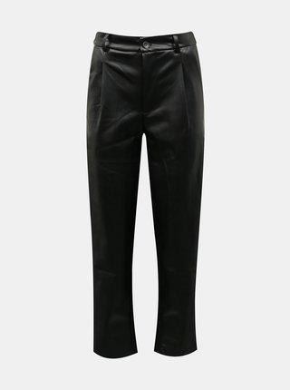 Černé zkrácené koženkové kalhoty Noisy May