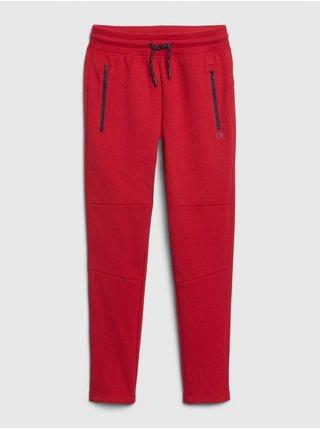 Červené chlapčenské nohavice GAP Fit