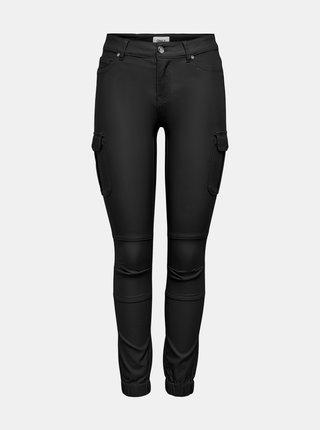 Černé koženkové skinny fit kalhoty ONLY