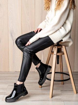 Čierne dámske lesklé chelsea topánky MUSK
