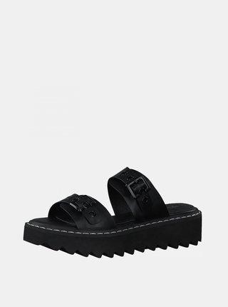 Černé pantofle na platformě Tamaris