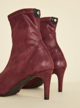 Vínové kotníkové boty v semišové úpravě s hadím vzorem OJJU