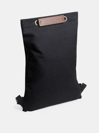 Praktický černý batoh s dřevěným detailem Nox Minibackpack BeWooden