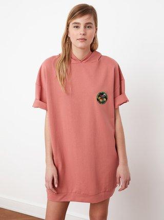 Růžové mikinové šaty s kapucí Trendyol