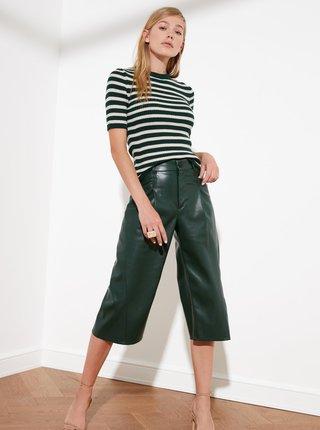 Krémovo-zelený pruhovaný svetrový top Trendyol