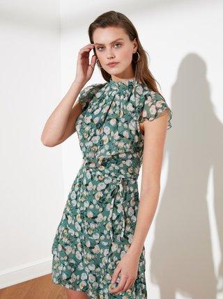 Zelené květované šaty s volány Trendyol