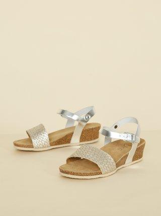 Dámske kožené lesklé sandálky v striebornej farbe OJJU