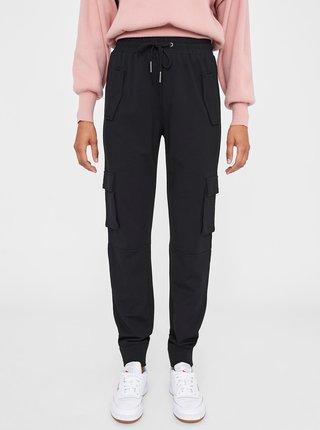 Černé kalhoty s kapsami Noisy May Palma
