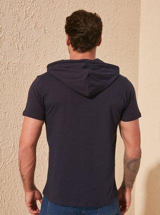 Tmavomodré pánske tričko s kapucou Trendyol