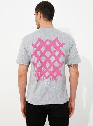 Šedé pánské tričko s potiskem Trendyol