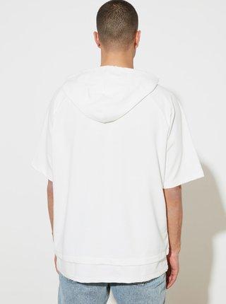 Bílé pánské tričko s kapucí Trendyol