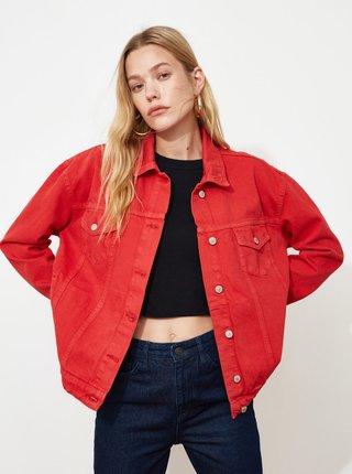 Červená dámska voľná rifľová bunda Trendyol