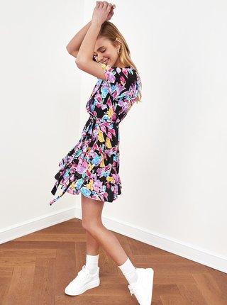 Fialovo-čierne kvetované šaty Trendyol