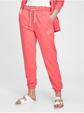 Růžové dámské tepláky GAP Logo heavyweight easy joggers