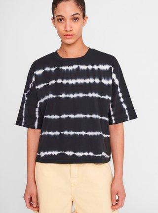 Černé vzorované volné tričko Noisy May Buster