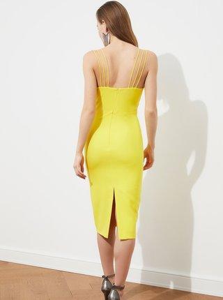 Žlté púzdrové šaty na ramienka Trendyol