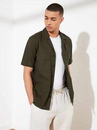 Kaki pánska košeľa s vreckami Trendyol