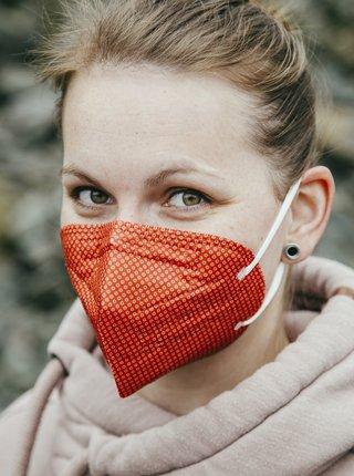 Červený vzorovaný respirátor FFP2 s nanomembránou Respirátory