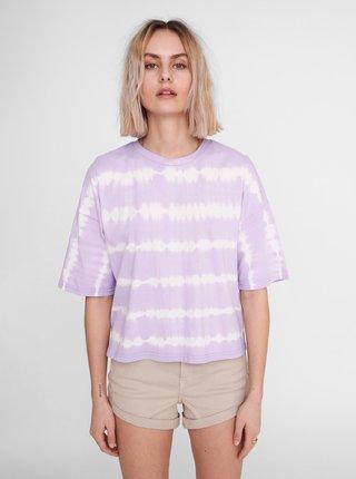 Světle fialové vzorované volné tričko Noisy May Buster